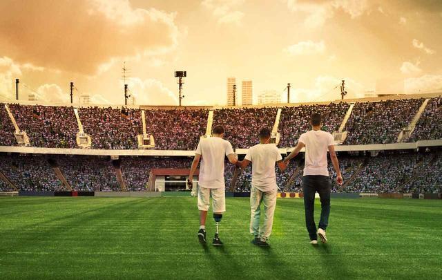 画像4: 南米クラブ杯・決勝戦へ向かうサッカーチーム彼らはいかに復活を遂げたのか? メッシ、Cロナウドも黙とうを捧げたあの悲劇から… シャペコエンセ復活の奇蹟!『わがチーム、墜落事故からの復活』