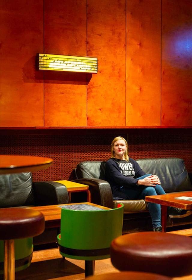 画像: 信頼する役者に時を委ねるというアキ・カウリスマキ・ファミリーの魅力を『希望のかなた』出演の女優ヌップ・コイブさんに聞いたー