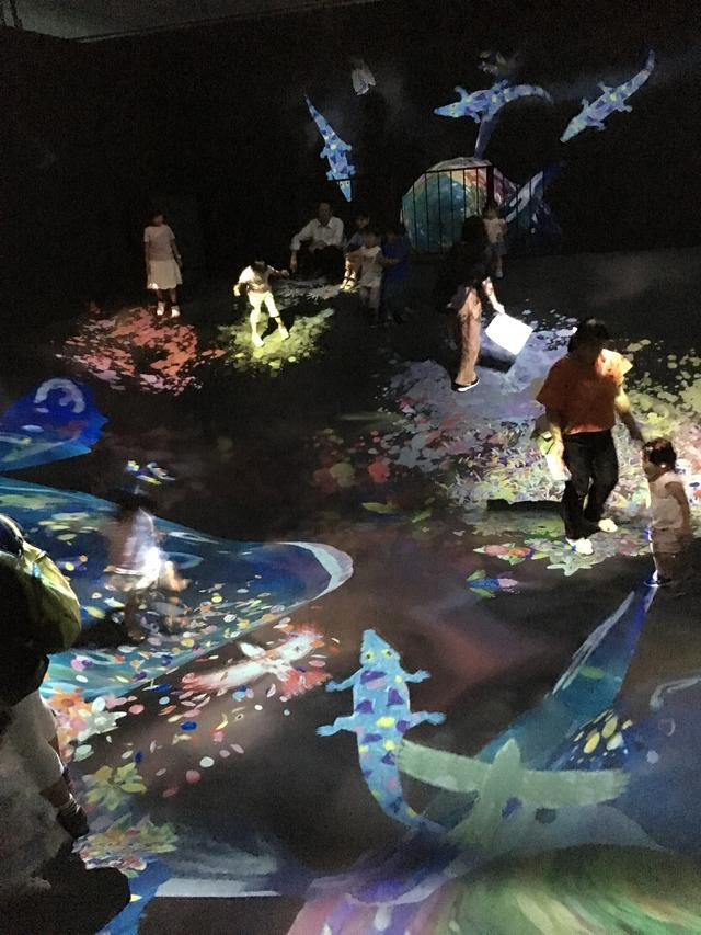 画像4: teamLab, 2016-, Interactive Digital Installation photo©cinefil