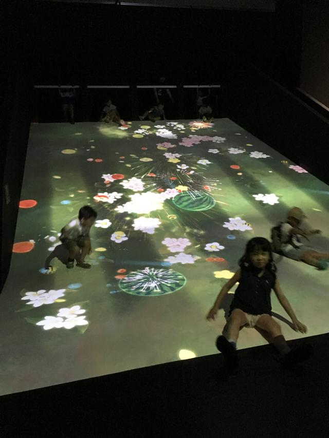 画像2: teamLab, 2016-, Interactive Digital Installation, Sound:teamLab photo©cinefil
