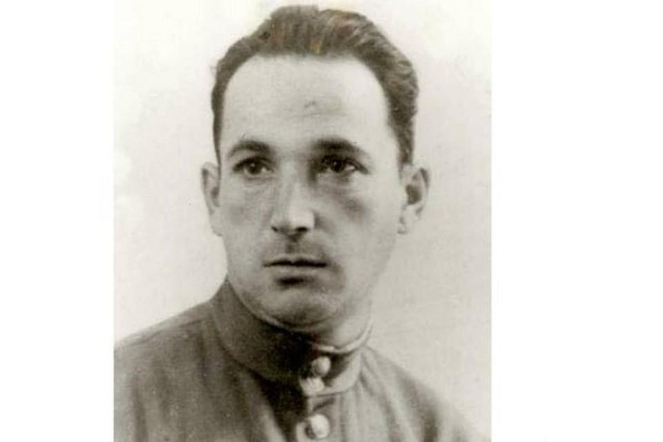 画像: ◆アレクサンドル・ペチェルスキーの実際の写真も解禁!