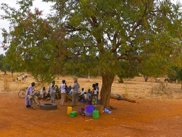 画像: 村人のたまり場