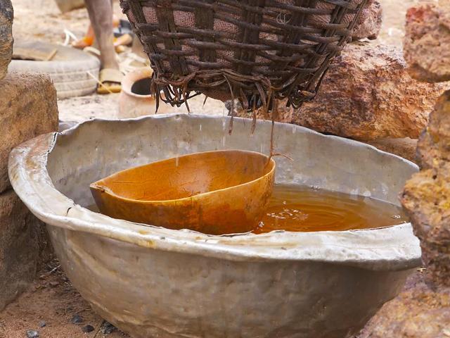 画像: 濾過したあとの液体