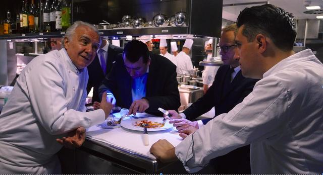 画像1: ミシュラン18ツ星を誇る世界最高のシェフに2年にわたり密着!美食を通して人生を旅するドキュメンタリー『アラン・デュカス 宮廷のレストラン』公開!