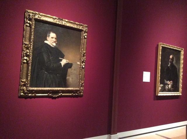画像: 左:ディエゴ・ベラスケス《フアン・マルティネス・モンタニェースの肖像》1635年頃 油彩・カンヴァス 109x88cm 右:ジュゼぺ・デ・リベーラ《触覚》1632年 油彩・カンヴァス 125x98cm photo©︎cinefil