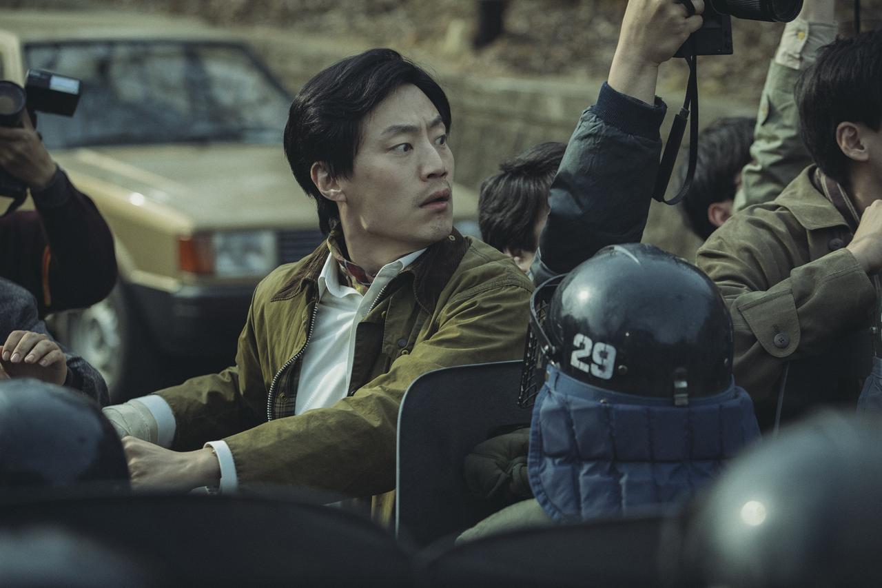 画像1: ©2017 CJ E&M CORPORATION, WOOJEUNG FILM ALL RIGHTS RESERVED