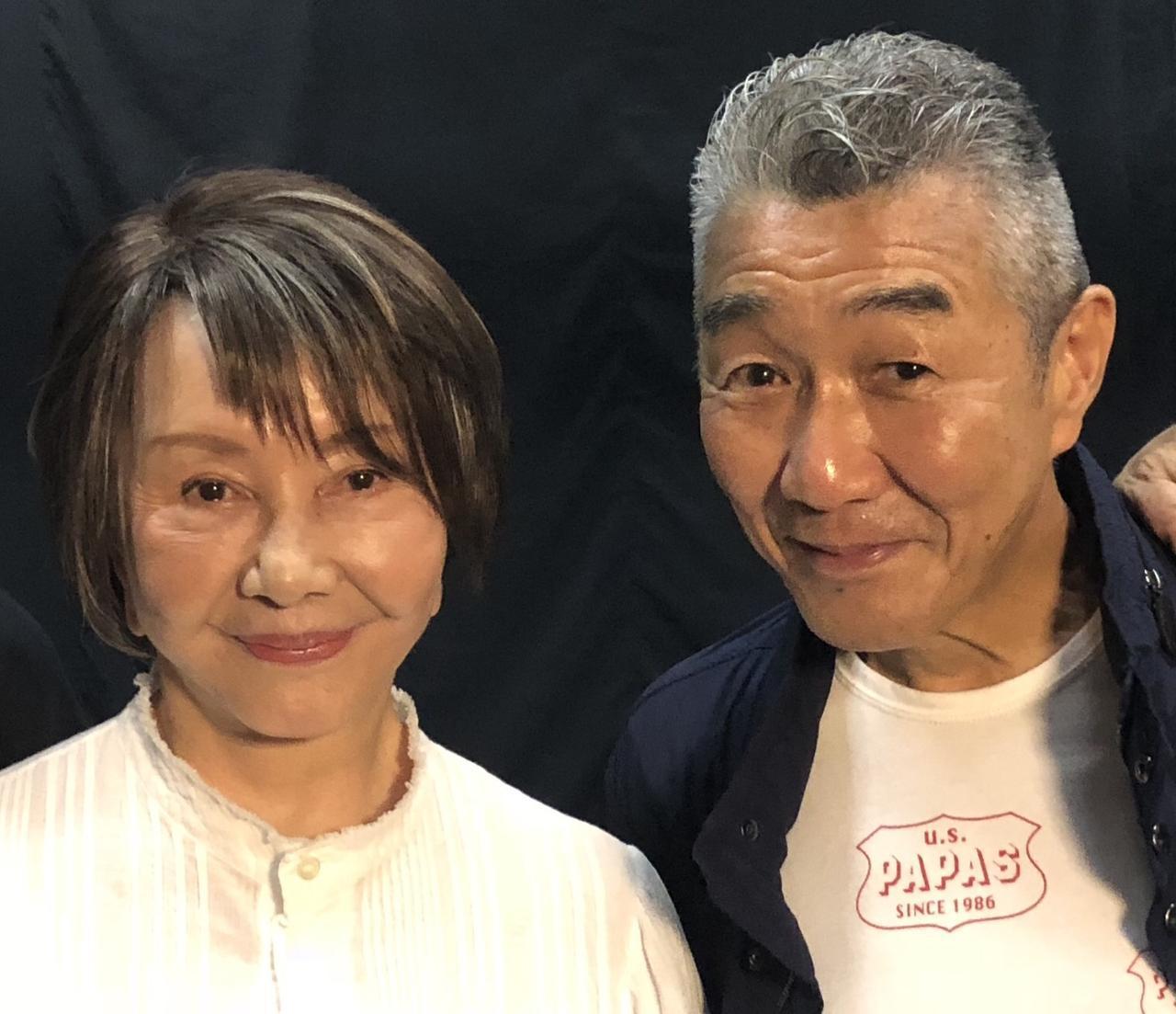画像: 渡辺美佐子と松元ヒロ
