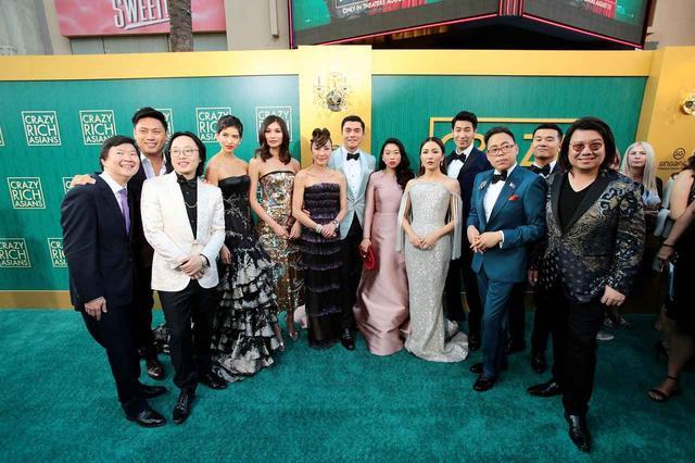 画像2: ちょっとした事件!早くも社会現象化!全米興行成績第1位で初登場したのは主要キャスト全員がアジア系の映画『クレイジー・リッチ!』