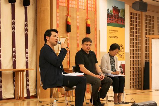 画像: 左 別所哲也 中央クリスティアン・ムンジウ監督
