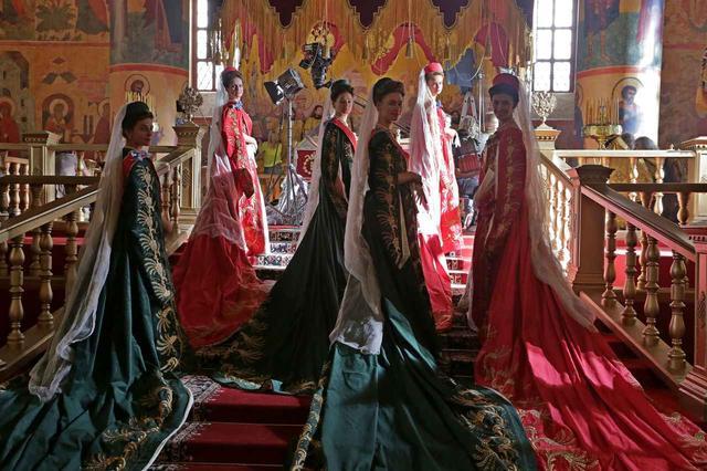 画像3: 最大のタブーにして最大のスキャンダル!最も切なく、最も官能的な、聖なる宮殿に漂うエロティシズムの究極の恋愛『マチルダ 禁断の恋』予告