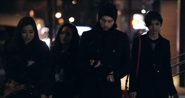 画像1: ニューヨークの片隅、漠然とした不安—— 居場所を求めてさまよう女性たちの孤独な愛の行方 夜の闇に あてどなく光を求めて