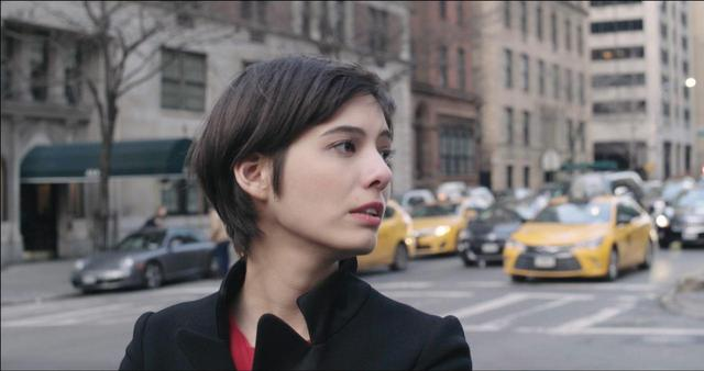 画像3: ニューヨークの片隅、漠然とした不安—— 居場所を求めてさまよう女性たちの孤独な愛の行方 夜の闇に あてどなく光を求めて