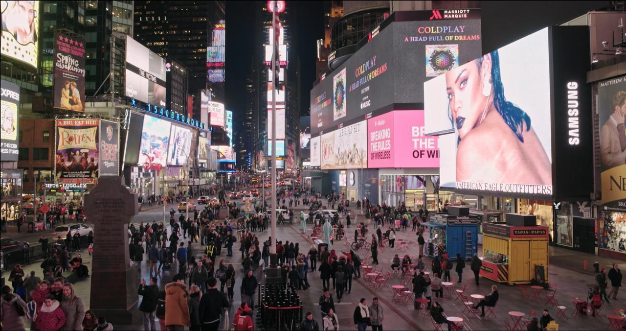 画像7: ニューヨークの片隅、漠然とした不安—— 居場所を求めてさまよう女性たちの孤独な愛の行方 夜の闇に あてどなく光を求めて