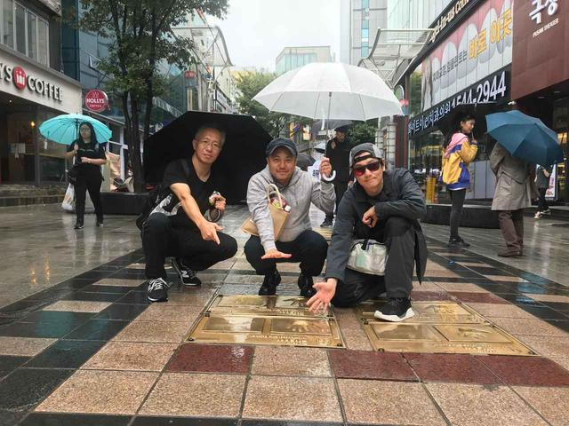 画像: 左より井上淳一(本作脚本家)、白石監督、井浦新
