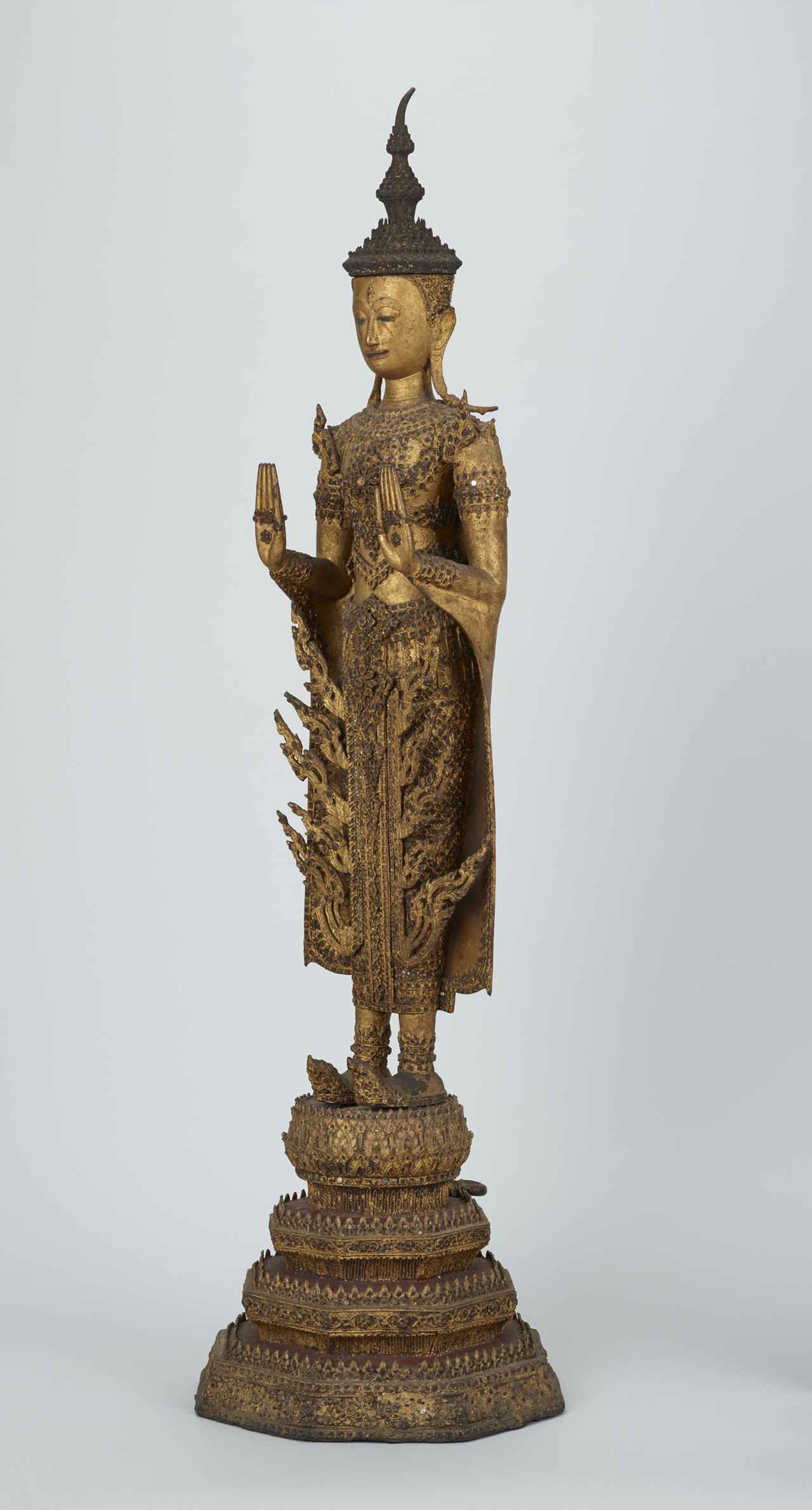 画像: 《宝冠仏立像》 タイ・ラタナコーシン時代・19世紀 東京・大倉集古館所蔵