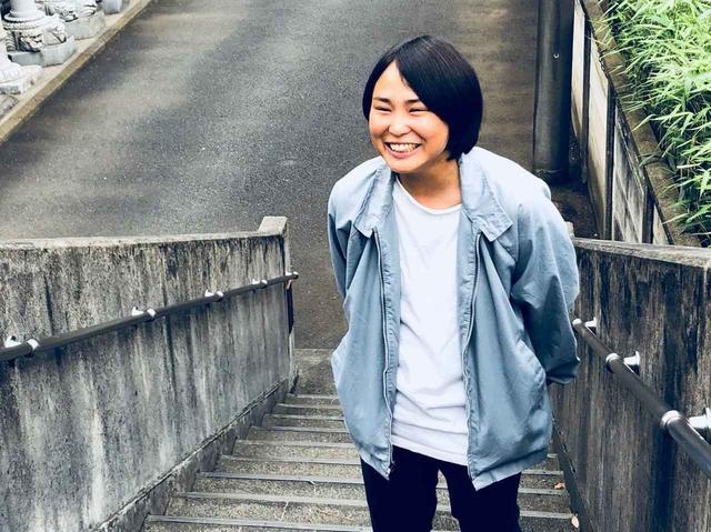 画像: 工藤梨穂 1995年生まれ、福岡県出身。高校2年生の時に、西 加奈子の小説「さくら」に感動し、 いつか映画化したいと映画の道を志す。京都造形芸術大学入学後、 『サイケデリック・ノリコ』(15年)、『サマー・オブ・ラブを踊って』(16年)を制作。