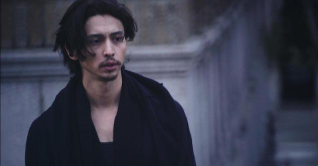 画像6: 東京生まれ-映画初主演のジュリアンに注目❗️シネフィル独占動画インタビュー❗️NYの日本人社会の裏を描いたナグメ・シルハン監督『MAKI マキ』