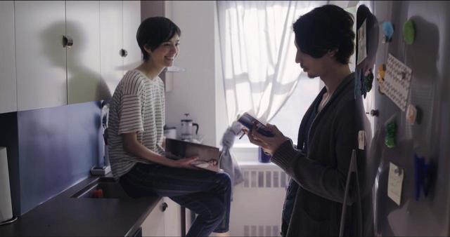 画像2: 東京生まれ-映画初主演のジュリアンに注目❗️シネフィル独占動画インタビュー❗️NYの日本人社会の裏を描いたナグメ・シルハン監督『MAKI マキ』