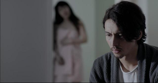 画像3: 東京生まれ-映画初主演のジュリアンに注目❗️シネフィル独占動画インタビュー❗️NYの日本人社会の裏を描いたナグメ・シルハン監督『MAKI マキ』