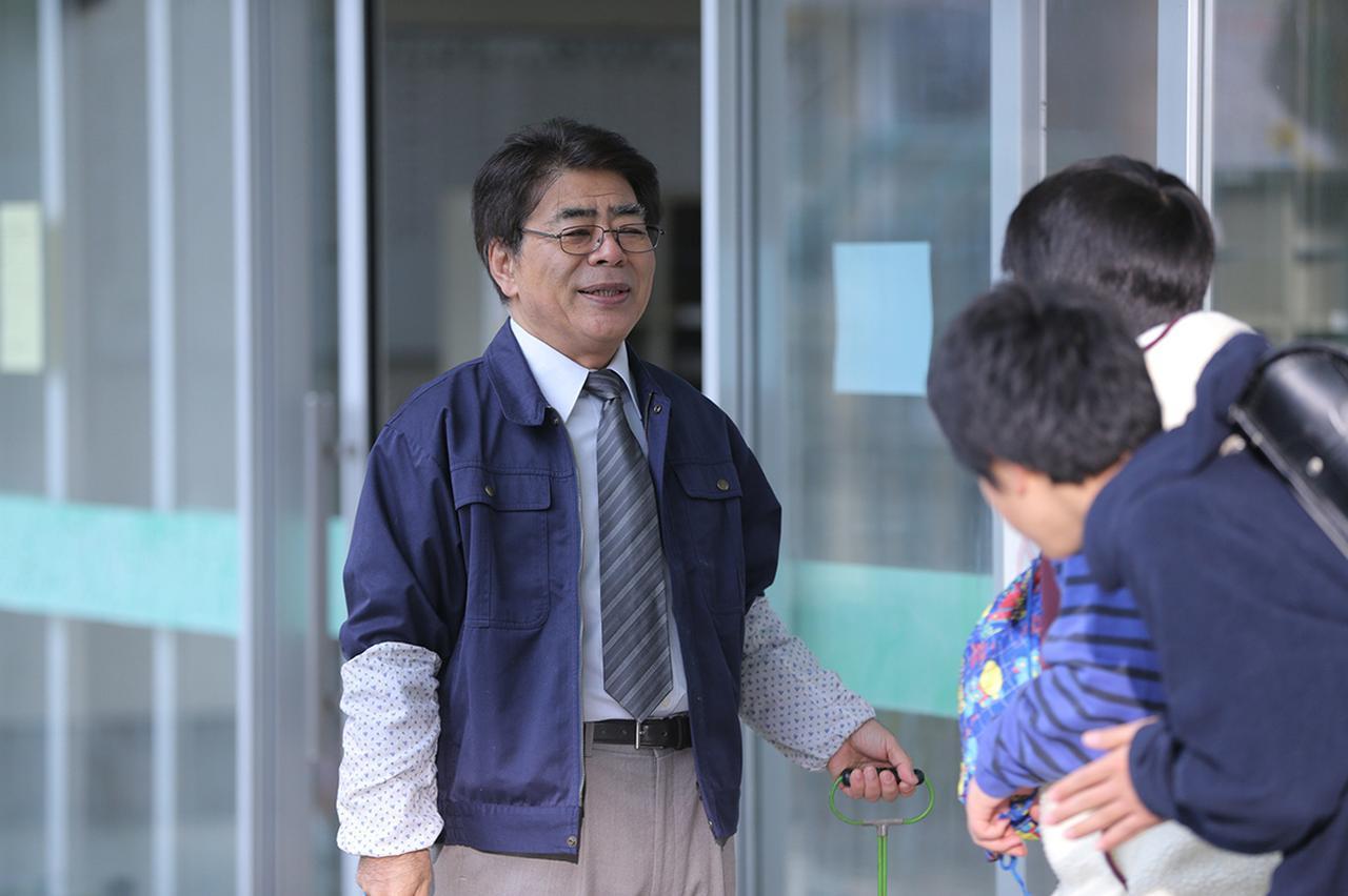 画像: 小倉久寛 ▶生徒たちを優しく見守る校長役 ©2019「まく子」製作委員会/西加奈子(福音館書店)