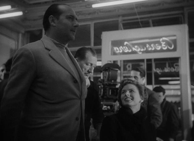 画像: 〈イングリッド・バーグマン選集〉より『ロッセリーニ家とのひととき』場面写真 (1953)監・脚:ヤット・エングストルム 『イタリア旅行』の撮影中に撮られたロッセリーニ一家の貴重な映像