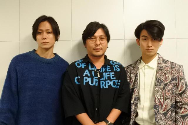 画像: 左、玉城裕規さん、中央、西田大輔監督、右、松田凌さん
