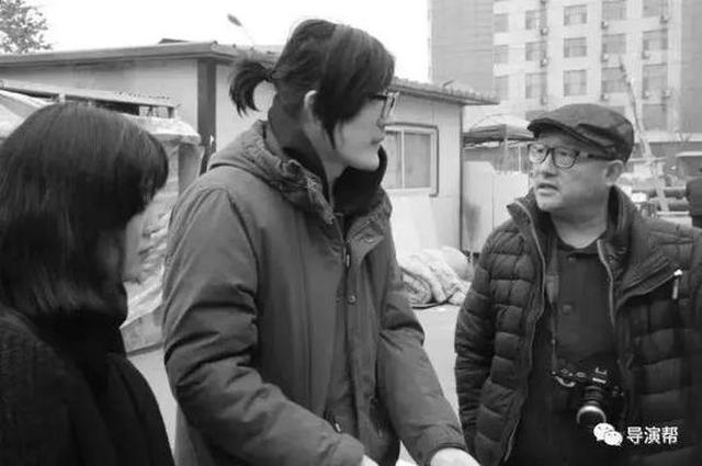 画像: フー・ボー監督(画面中央)と王小帥プロデューサー(画面右) news.sina.com.cn