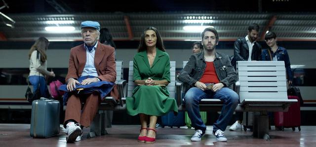画像2: © 2016 HERNÁNDEZ y FERNÁNDEZ Producciones cinematograficas S.L., TORNASOL FILMS, S.A RESCATE PRODUCCIONES A.I.E., ZAMPA AUDIOVISUAL, S.L., HADDOCK FILMS, PATAGONIK FILM GROUP S.A