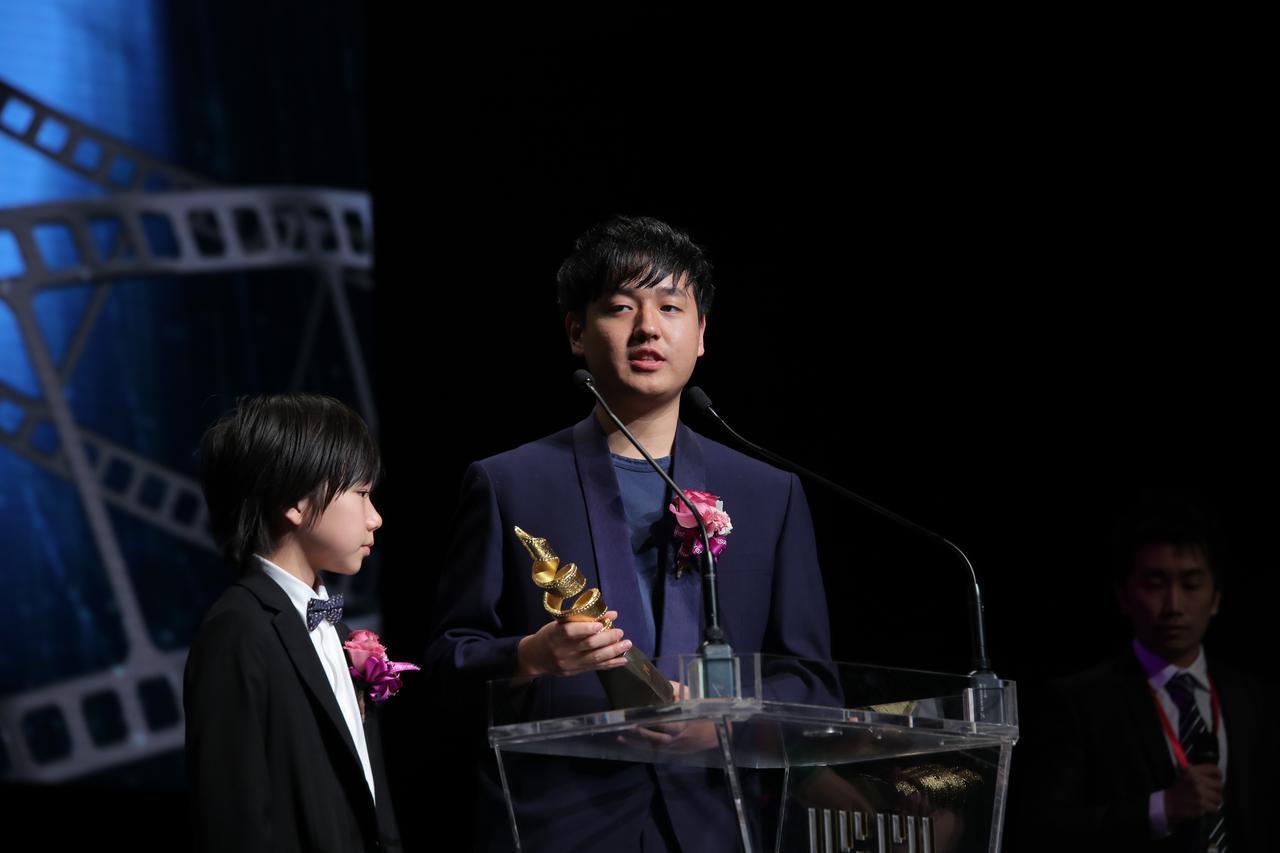画像2: 奥山大史監督-サン・セバスチャン、ストックホルム両国際映画祭での快挙に続き、マカオ国際映画祭でも日本人として初受賞!『僕はイエス様が嫌い』