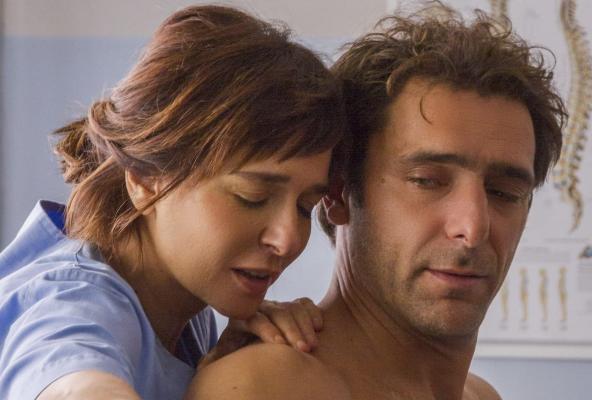 画像1: 盲目の女性とプレイボーイが出逢い、傷つけ合いながらも変化していく、「大人の恋」。イタリアの名匠シルヴィオ・ソルディーニ監督『エマの瞳』予告