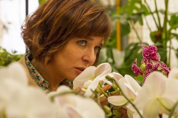 画像2: 盲目の女性とプレイボーイが出逢い、傷つけ合いながらも変化していく、「大人の恋」。イタリアの名匠シルヴィオ・ソルディーニ監督『エマの瞳』予告