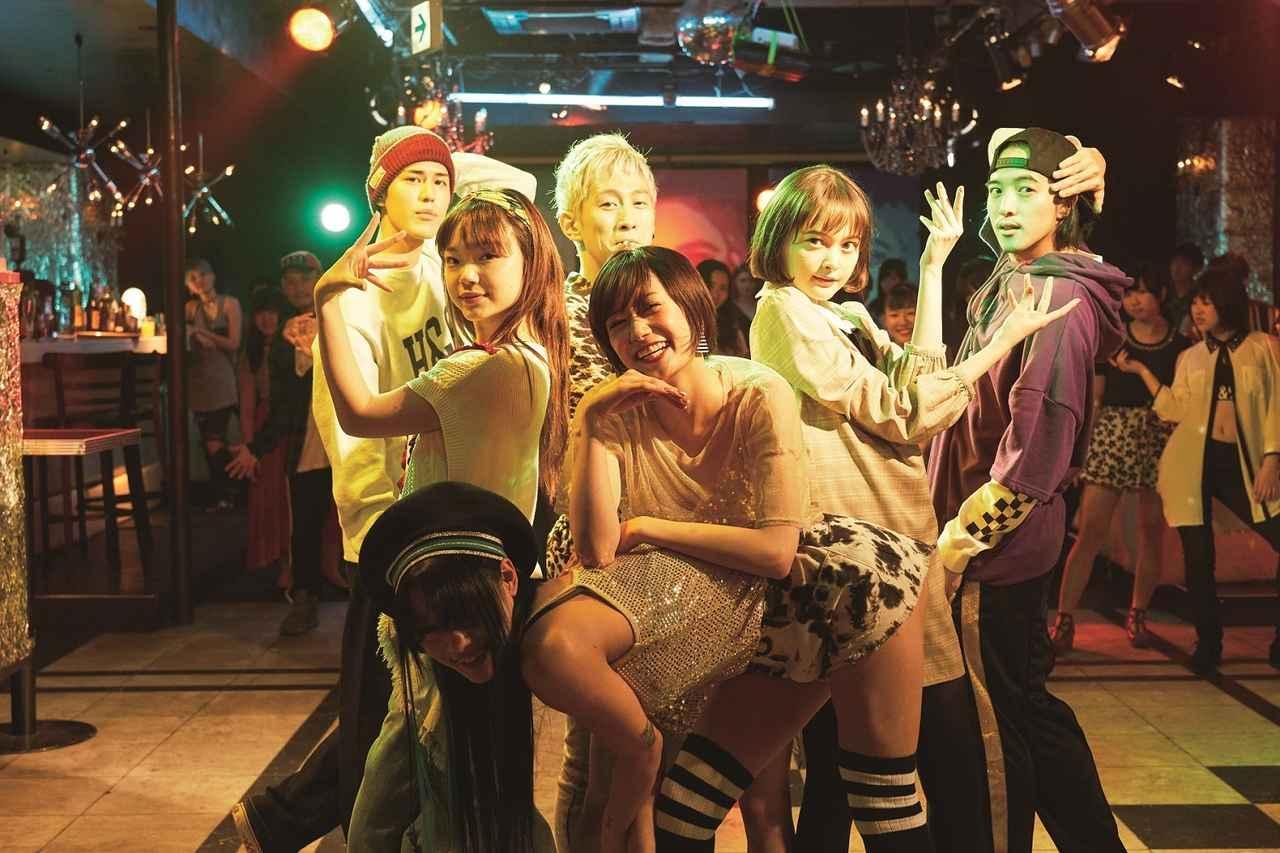 ダンサー バック 椎名 林檎 仲万美、マドンナから直電で「今からうちに来なさい」と呼び出されて… —