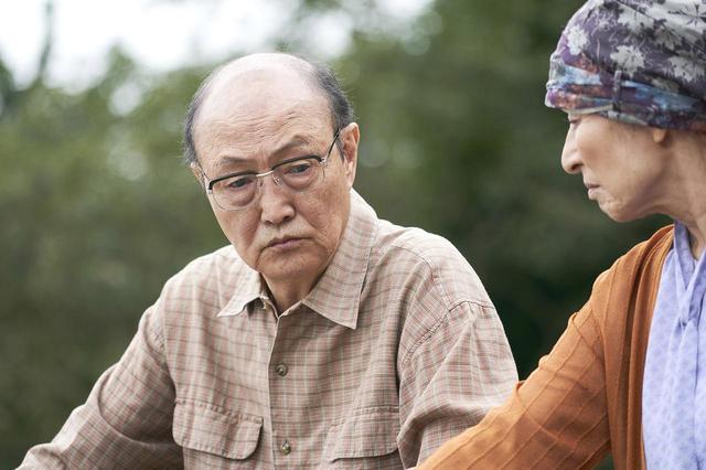 画像5: ©宮川サトシ/新潮社 ©2019「母を亡くした時、僕は遺骨を食べたいと思った。」製作委員会