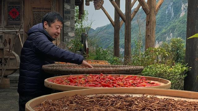 画像: 中国の旧正月 - スローモーションの賈樟柯(ジャ・ジャンクー) - アップル youtu.be
