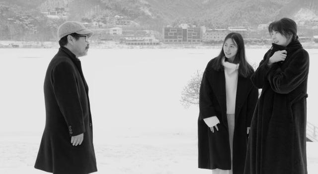 画像: Ruminate on Life and Death in U.S. Trailer for Hong Sangsoo's 'Hotel by the River'