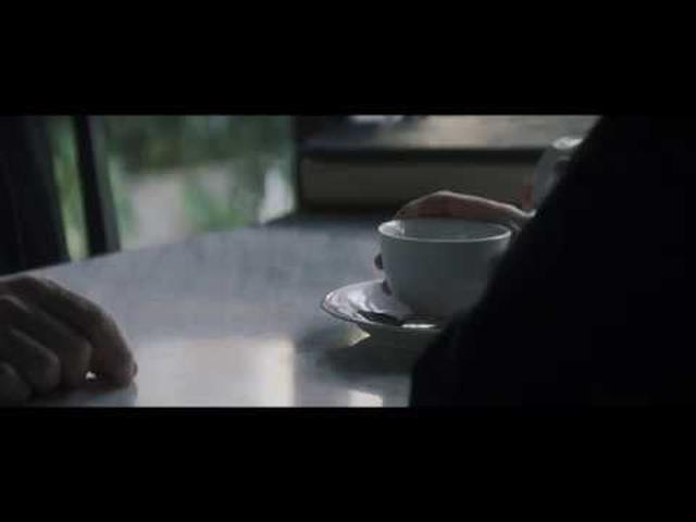 画像: どんな願いも叶えるという謎の男とは?パオロ・ジェノヴェーゼ監督『ザ・プレイス 運命の交差点』 youtu.be