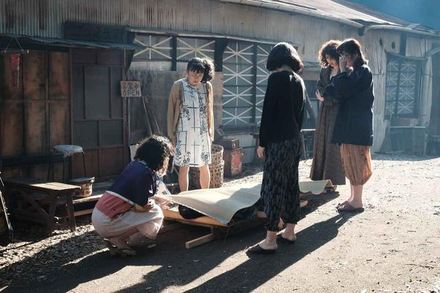 画像5: (C)セブンガールズ映画化実行委員会/劇団前方公演墳