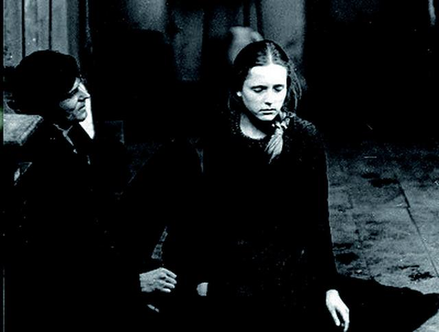 画像3: アレクサンドル・ソクーロフの名作、傑作16作品を35mmフィルムで上映!特集上映が開催!「ソクーロフ特集2019」