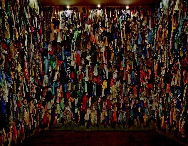 画像: クリスチャン・ボルタンスキー《保存室(カナダ)》1988 年 イデッサ・ヘンデルス芸術財団、トロント © Christian Boltanski / ADAGP, Paris, 2019, Ydessa Hendeles Art Foundation, Toronto, Photo by Robert Keziere