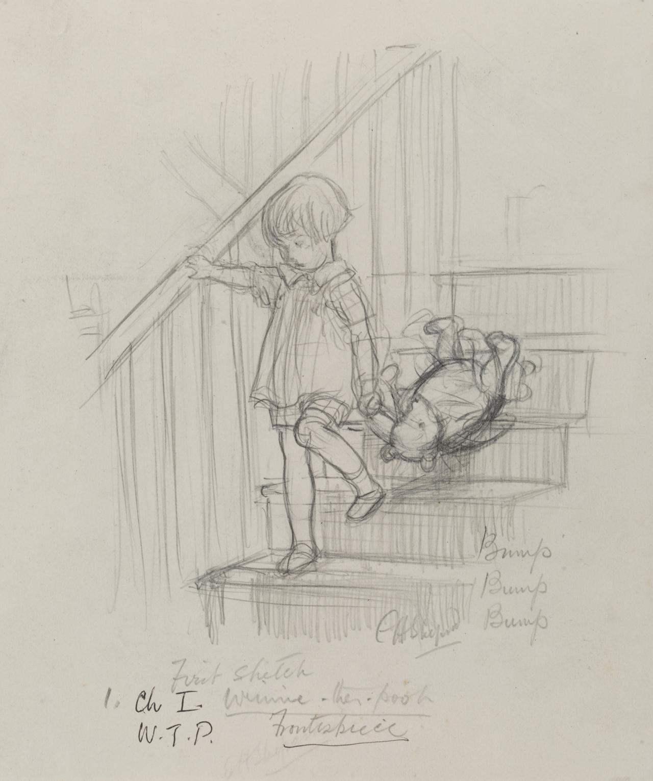 画像: 「バタン・バタン、バタン・バタン、頭を階段にぶつけながら、クマくんが二階からおりてきます」、 『クマのプーさん』第1章、E.H.シェパード、鉛筆画、1926年、V&A所蔵 © The Shepard Trust