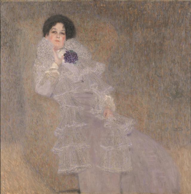 画像: グスタフ・クリムト《マリー・ヘンネベルクの肖像》 1901/1902年 油彩、カンヴァス 140×140cm ザクセン=アンハルト財団、モーリッツブルク・ハレ州立美術館 Kulturstiftung Sachsen-Anhalt, Kunstmuseum Moritzburg Halle(Saale), Germany