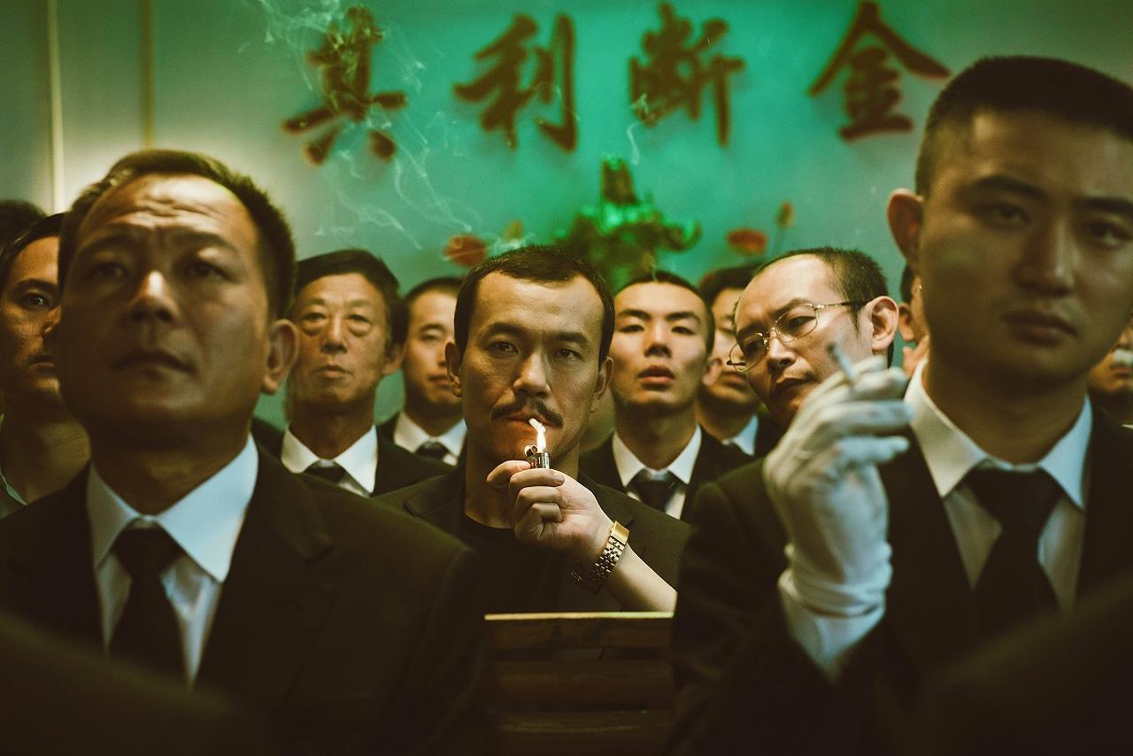 画像2: 邦題『帰れない二人』に決定!名匠ジャ・ジャンクー監督最新作は、一組の女と男が辿る今世紀の18年間を、変わりゆく中国を背景に紡ぎだす!