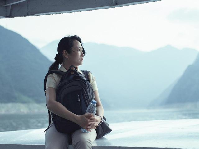 画像1: 邦題『帰れない二人』に決定!名匠ジャ・ジャンクー監督最新作は、一組の女と男が辿る今世紀の18年間を、変わりゆく中国を背景に紡ぎだす!