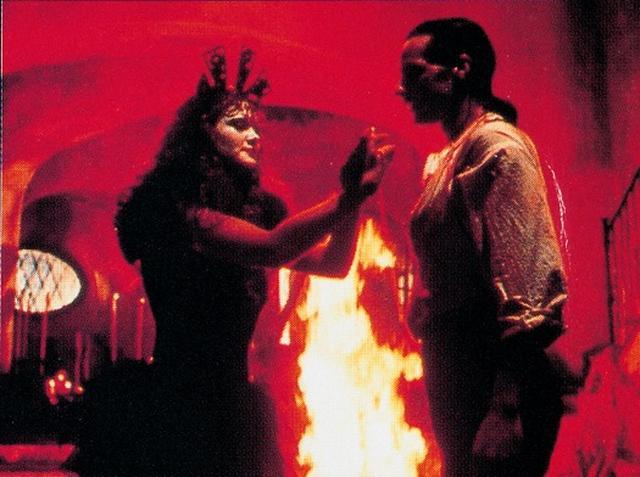 画像: 『サンタ・サングレ/聖なる血』(1989 年/イタリア=メキシコ合作/123 分/BD) 監督:アレハンドロ・ホドロフスキー 出演:アクセル・ホドロフスキー、B・ゲラ、アダン・ホドロフスキー
