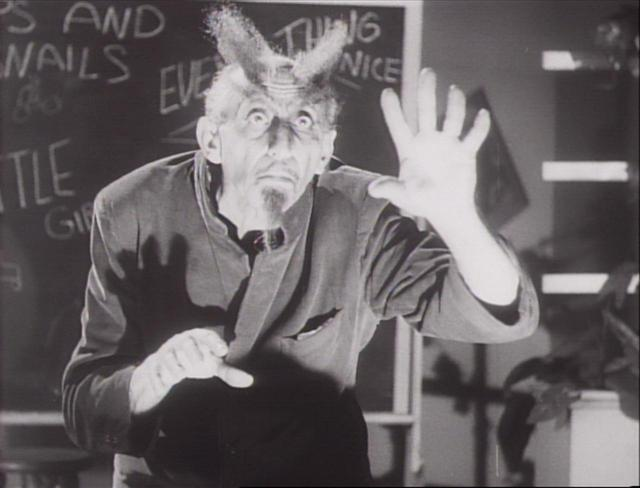 画像: 『グレンとグレンダ』(1953 年/アメリカ映画/67 分/35 ミリ) 監督・原案・出演:エド・ウッド 出演:ベラ・ルゴシ、ドロレス・フラー