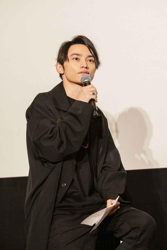 画像: 【SKY-HI プロフィール】 1986年生まれ。日本のラッパーで、シンガーソングライター。2005年にパフォーマンスグループAAAでメジャーデビューしながら、ソロラッパーSKY-HI(スカイハイ)としても活動を始める。2015年にはソロ名義でもメジャーデビューを果たし、MCバトルや様々な大型フェスにも出演し活躍の場を広げている。
