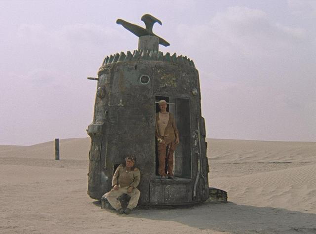 画像1: 『不思議惑星キン・ザ・ザ』より © Mosfilm Cinema Concern, 1986