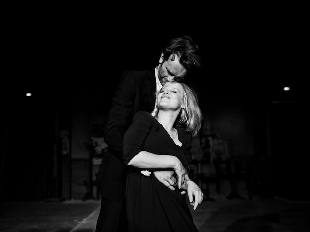 """画像6: 冷戦下、時代に翻弄される恋人たちの姿を 美しいモノクロ映像と名歌で描き出したラブストーリー 『COLD WAR あの歌、2つの心』 """"瞬きするのも惜しくなる""""場⾯写真⼀挙解禁!"""