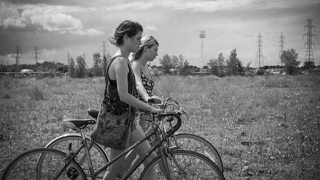 画像3: 『まどろみのニコール(原題:Tu Dors Nicole)』 (2014年、監督:ステファヌ・ラフルール)
