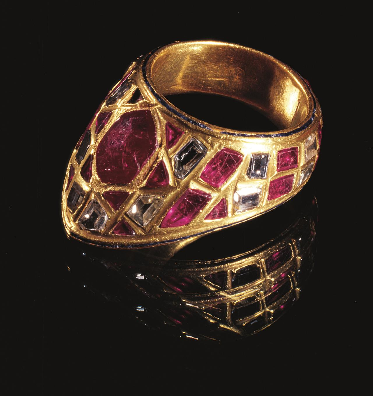画像: 《射手用指輪》 16-17世紀 トプカプ宮殿博物館蔵
